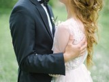 romantic-white-wedding-inspirational-shoot-in-a-blossoming-garden-12