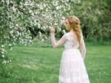 romantic-white-wedding-inspirational-shoot-in-a-blossoming-garden-2