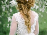 romantic-white-wedding-inspirational-shoot-in-a-blossoming-garden-4
