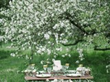 romantic-white-wedding-inspirational-shoot-in-a-blossoming-garden-8