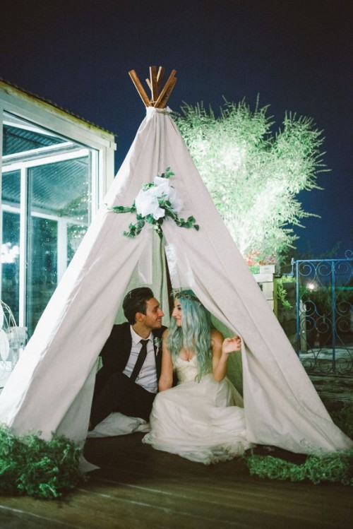 Rustic And Budget-Friendly Nature-Inspired Wedding