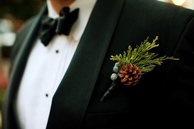 Picture Of simple and natural pinecone wedding ideas  19