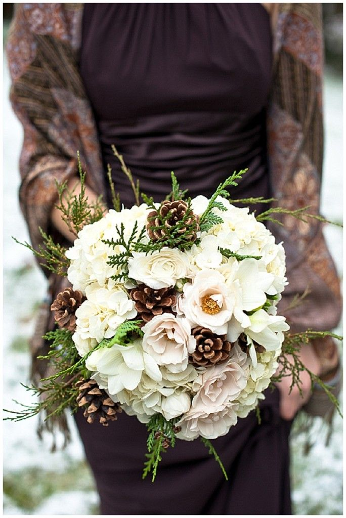 Picture Of simple and natural pinecone wedding ideas  8