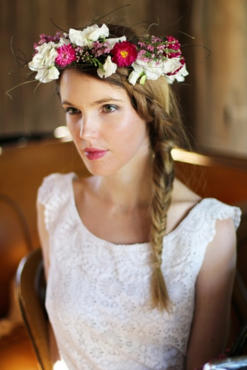 Simple Yet Beautiful DIY Flower Crown To Make