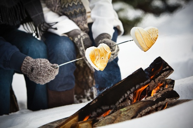 Picture Of smart tips for winter outdoor engagement sessions  3