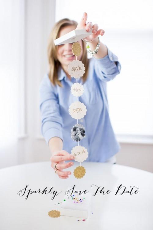 DIY Sparkly Save The Date (via weddingomania)