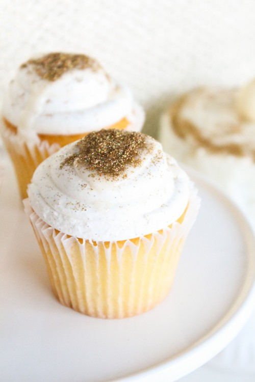 DIY Sparkle Cupcakes (via sugarandcloth)