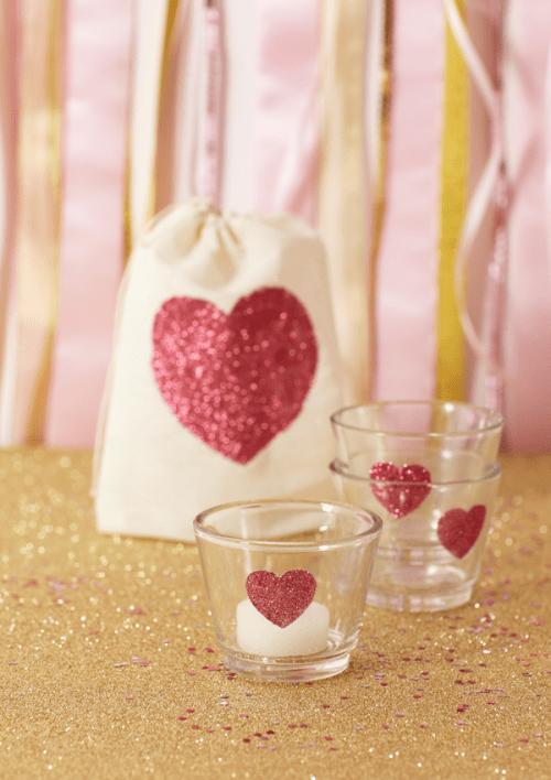 DIY Giltter Heart Votives (via cakeeventsblog)