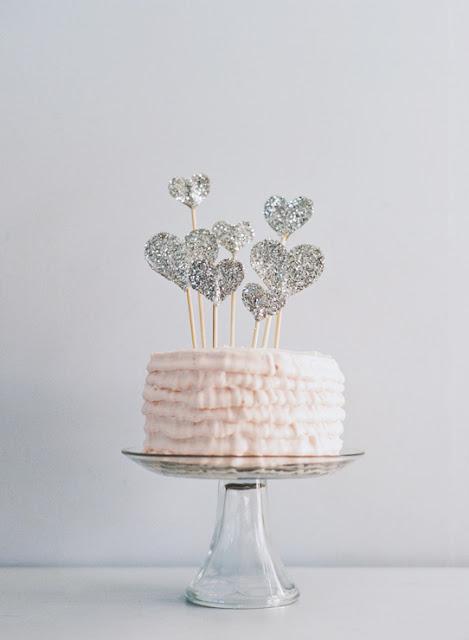 Glitter Heart Cake Topper (via paperpony)