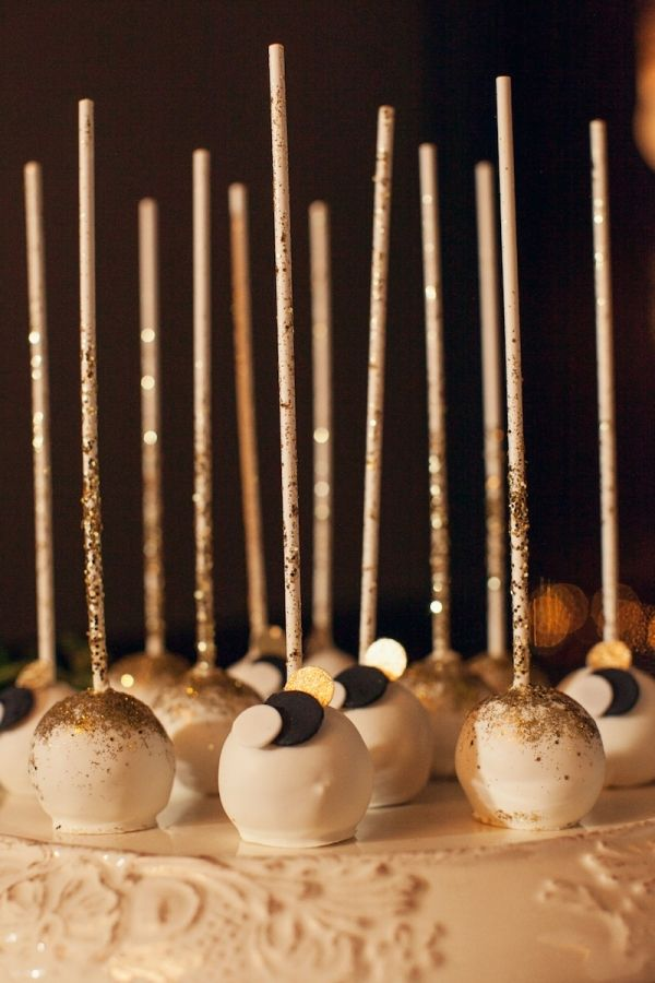 Picture Of sparkling new year wedding cakes and desserts  12