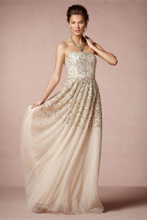 a strapless blush A-line wedding dress with gold sparkles is a chic and beautiful idea with a romantic twist