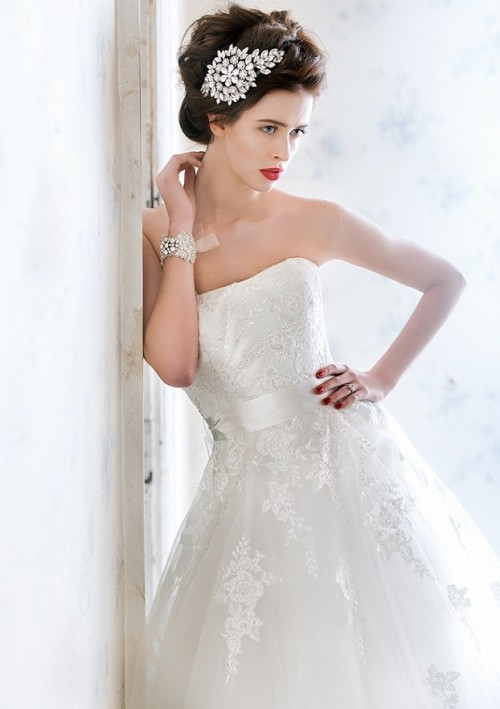 a strapless lace embellished wedding ballgown is a refined and gorgeous option for a NYE bride