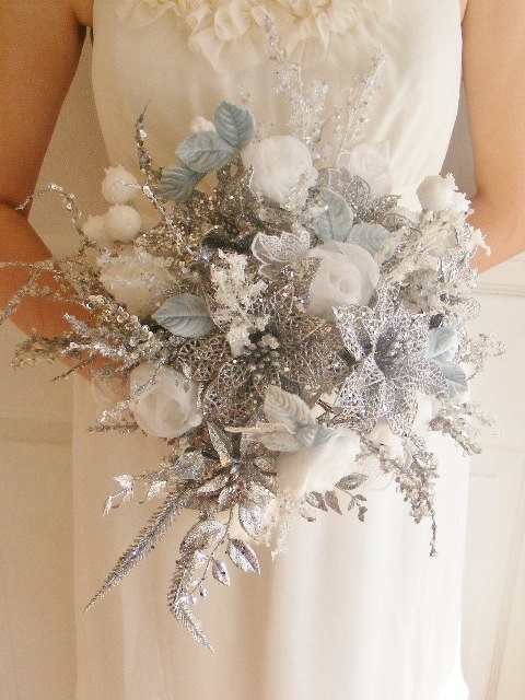 Wedding Bouquet Ideas For Winter : Sparkling silver winter wedding ideas weddingomania