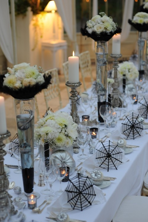 spooky but elegant halloween wedding table settings - Elegant Halloween Decor