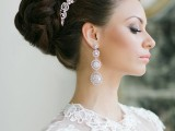 statement-earrings-wedding-trend-ideas-23