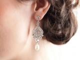 statement-earrings-wedding-trend-ideas-27