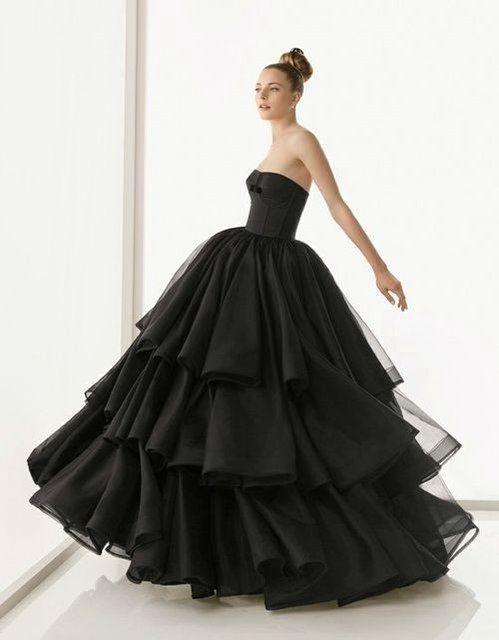 Gothic Style Wedding Dresses 24 Best Striking Halloween Wedding Dresses