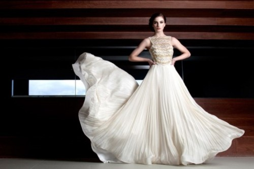 Stunning Avant-Garde Wedding Dresses Collection 2015 By Rosalynn Win