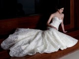 stunning-avant-garde-wedding-dresses-collection-2015-by-rosalynn-win-6