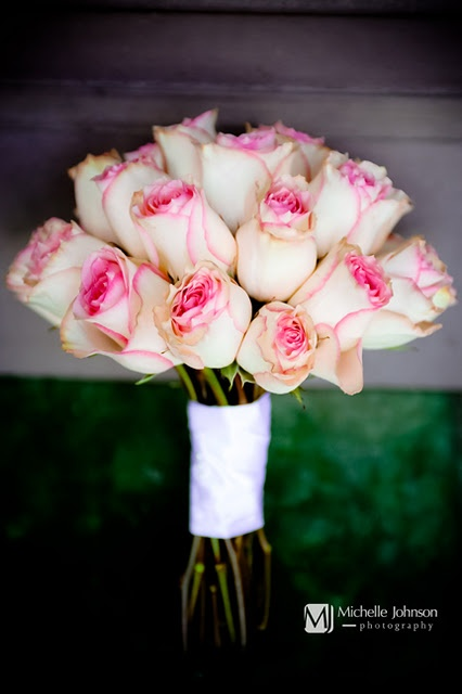 beautiful and tender light pink roses like these ones will be a nice idea for a romantic Valentine's Day wedding