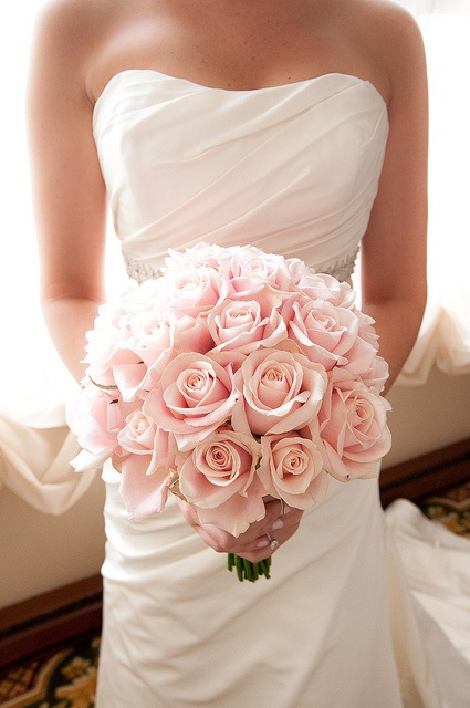 a beautiful blush rose wedding bouquet is a lovely and tender idea for a Valentine bride