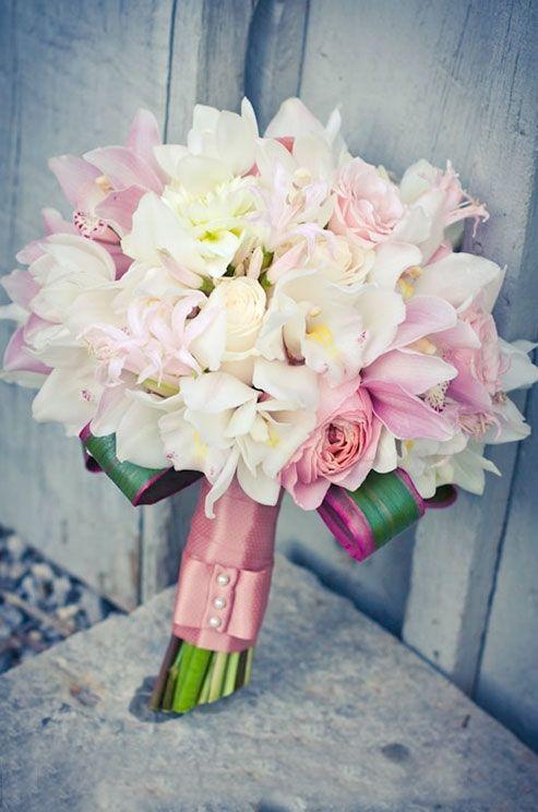 Stunning Valentine's Day Wedding Bouquets