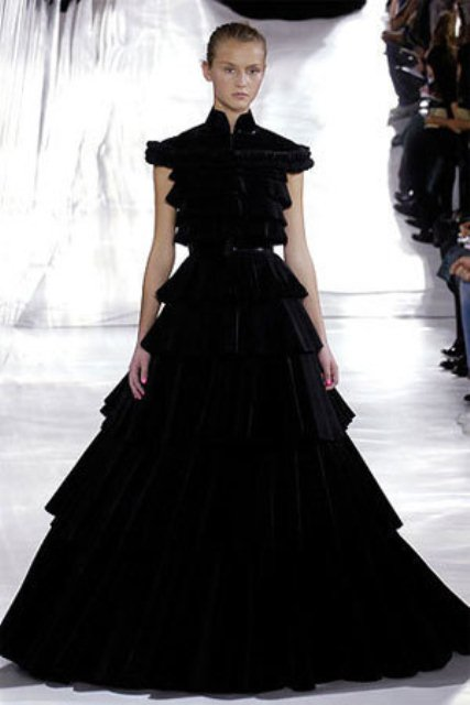 Stylish And Dramatic Black Wedding Dresses