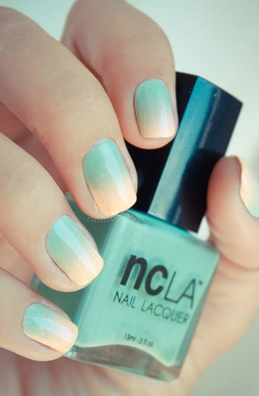 Great Pastel Teal Ombre Nails 524 x 800 · 59 kB · jpeg