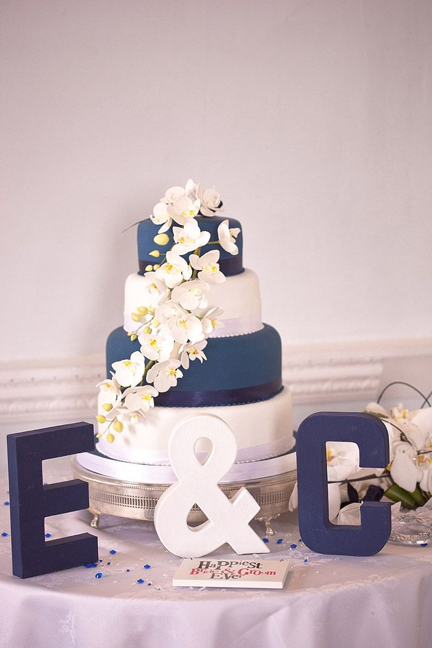 Picture Of stylish navy and white wedding ideas that youll love  35