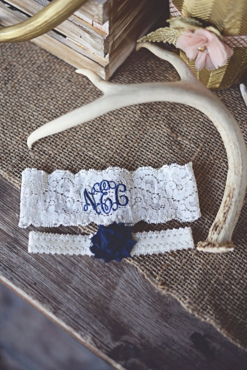 Picture Of stylish navy and white wedding ideas that youll love  9