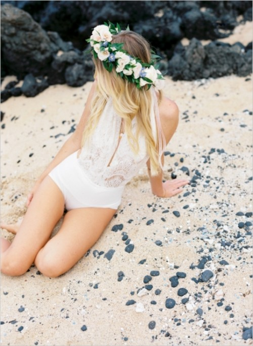 Sunny And Refreshing Hawaiian Engagement Session