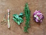 sweet-diy-smudge-stick-wedding-favors-2