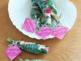 sweet-diy-smudge-stick-wedding-favors-3