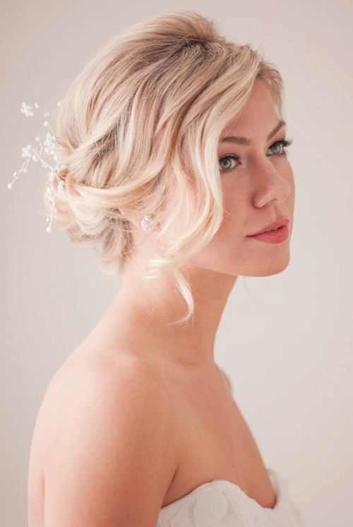 Tender And Feminine DIY Bridal Hairstyle
