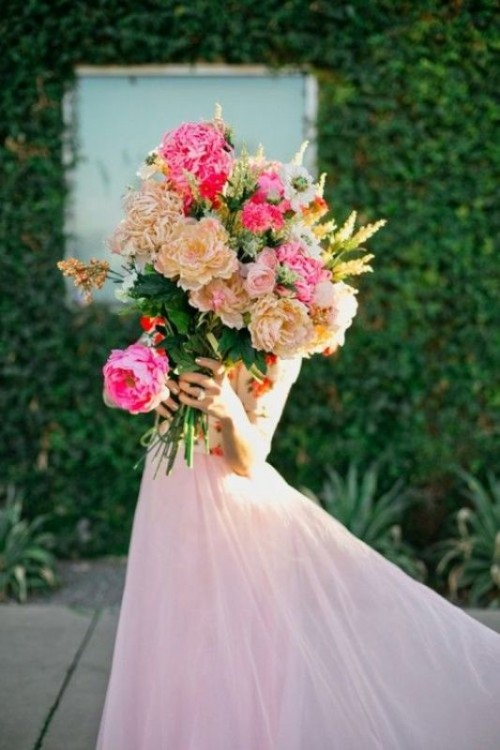 The Hottest 2014 Wedding Trend: 24 Glorious Oversized Bouquets