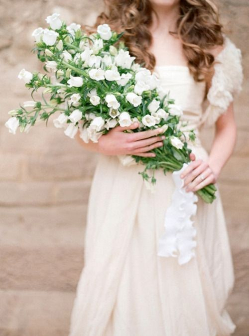 The Hottest 2014 Wedding Trend 24 Glorious Oversized Bouquets