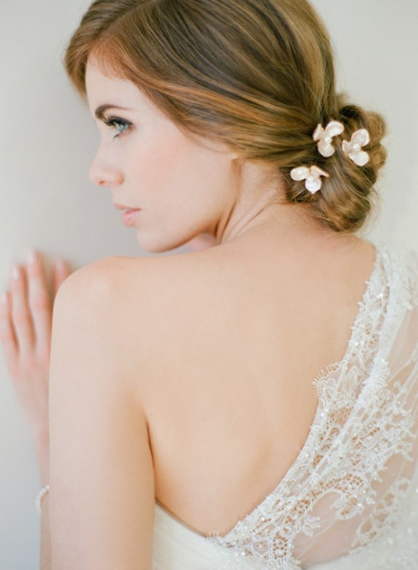 Picture Of the hottest 2015 wedding trend 15 lovely mini floral hair pins  1
