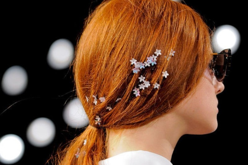 Picture Of the hottest 2015 wedding trend 15 lovely mini floral hair pins  2
