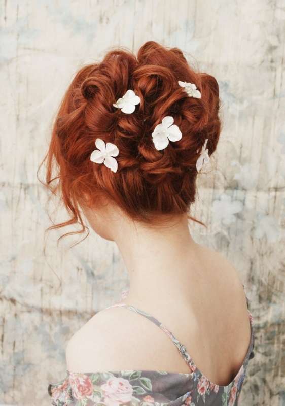 Picture Of the hottest 2015 wedding trend 15 lovely mini floral hair pins  7