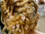 the-hottest-2015-wedding-trend-15-lovely-mini-floral-hair-pins-8