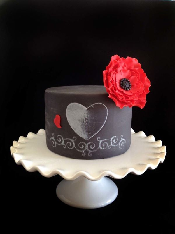 Picture Of the hottest 2015 wedding trend 30 chalkboard wedding cakes  12