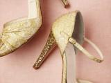 the-hottest-2015-wedding-trend-golden-bridal-accessories-19