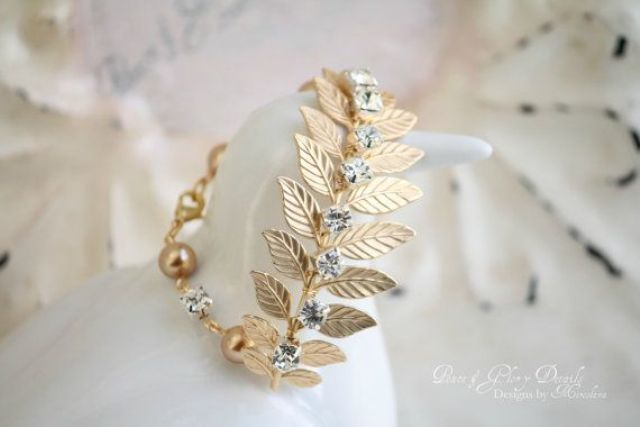 Picture Of the hottest 2015 wedding trend golden bridal accessories  23