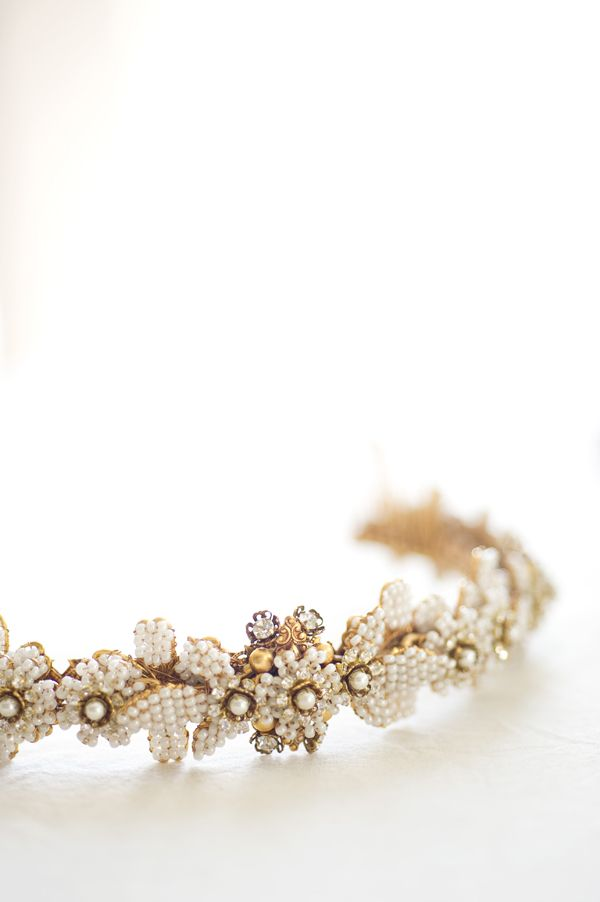 Picture Of the hottest 2015 wedding trend golden bridal accessories  31