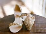 the-hottest-2015-wedding-trend-golden-bridal-accessories-32