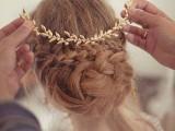 the-hottest-2015-wedding-trend-golden-bridal-accessories-5