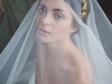 the-hottest-2015-wedding-trend-golden-bridal-accessories-9