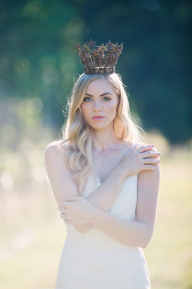 The Hottest Wedding Trend Bridal Crowns