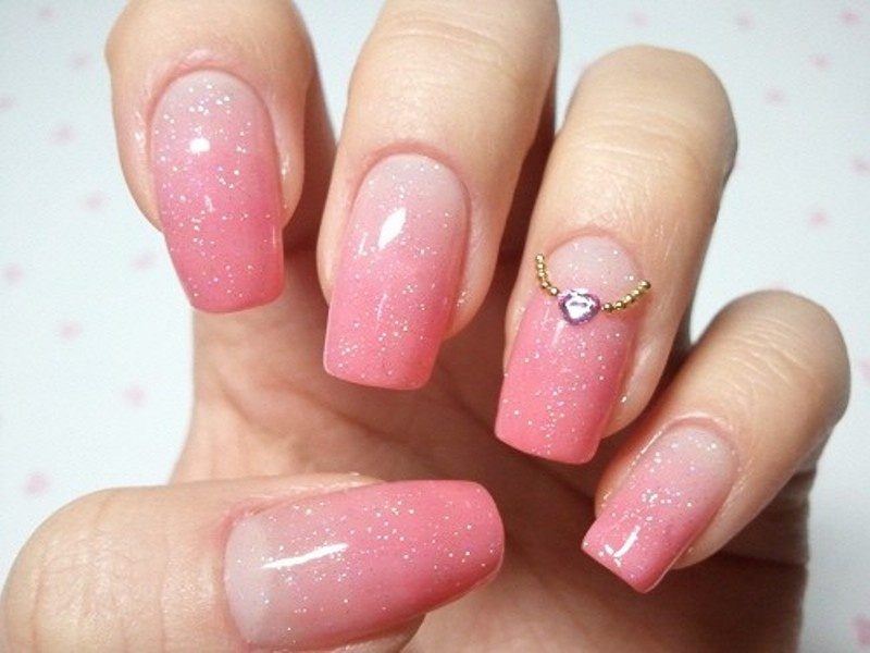 Picture of the newest wedding trend the ring finger nails decor prinsesfo Choice Image