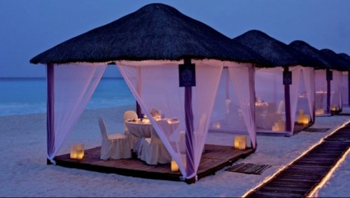 Top 10 Romantic Tables For Two On Your Honeymoon